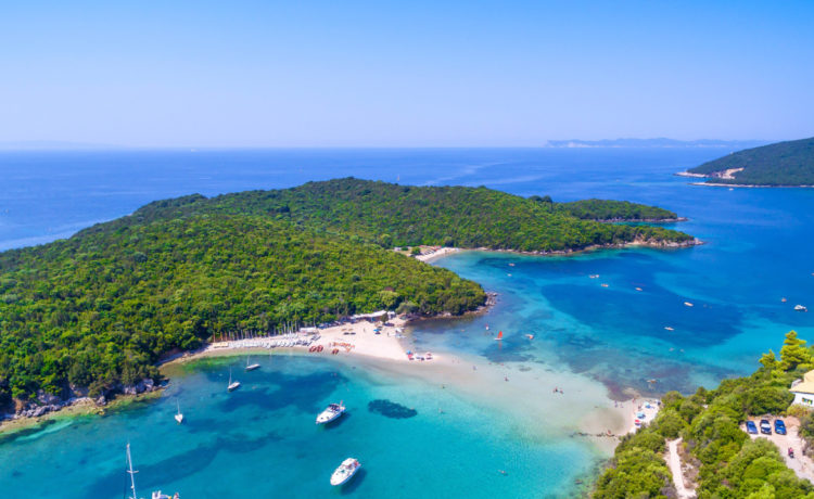 Η εξωτική παραλία Μπέλα Βράκα στα Σύβοτα